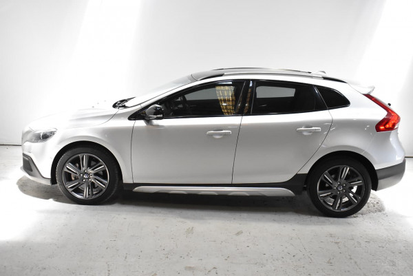 2014 Volvo V40 Cross Country (No Series) MY14 D4 Luxury Hatchback