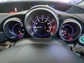 2015 Honda Civic 9th Gen Series II VTi-S Hatchback image 16