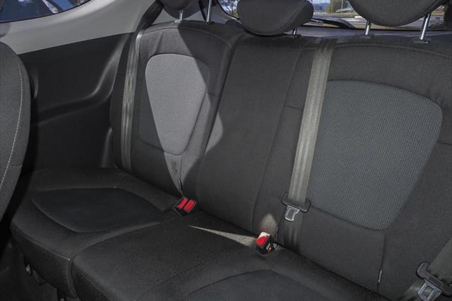 2014 Hyundai I20 PB MY15 Active Hatchback Image 9