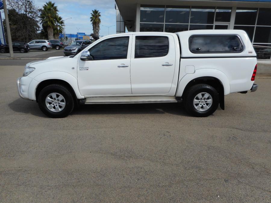 2009 MY10 Toyota HiLux KUN26R  SR5 Utility Image 5