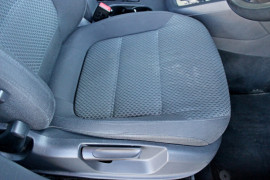 2012 MY13 Volkswagen Jetta 1B  103TDI 103TDI - Comfortline Sedan Mobile Image 12