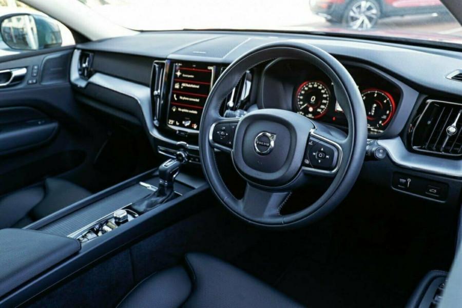 2019 MY20 Volvo XC60 UZ D4 Momentum Suv Image 12