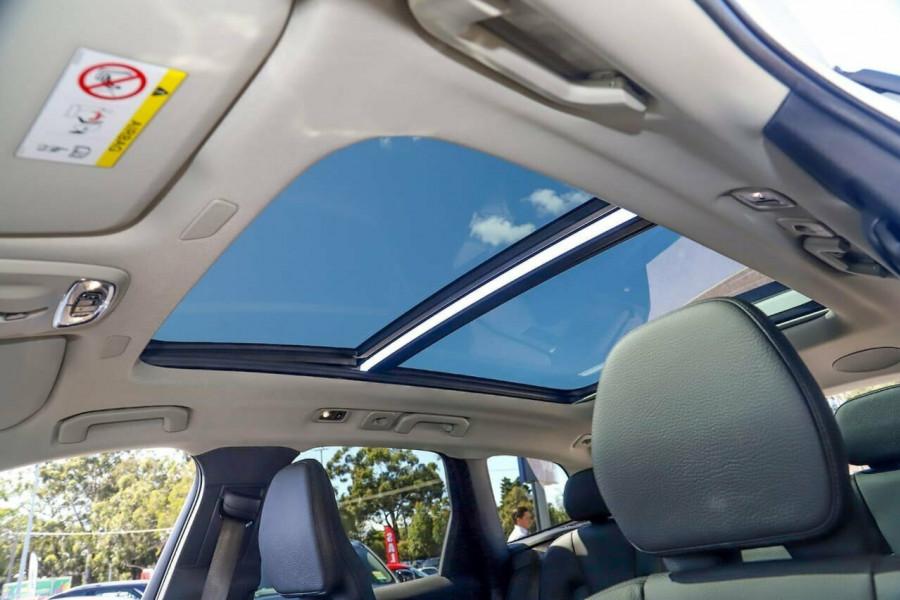 2019 Volvo XC60 UZ T5 Momentum Suv Mobile Image 30