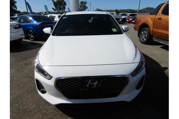 2018 Hyundai i30 PD SR Hatchback Image 2