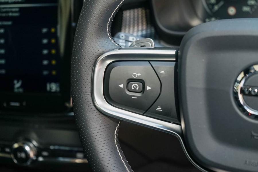 2019 Volvo XC40 XZ T5 R-Design Suv Mobile Image 16