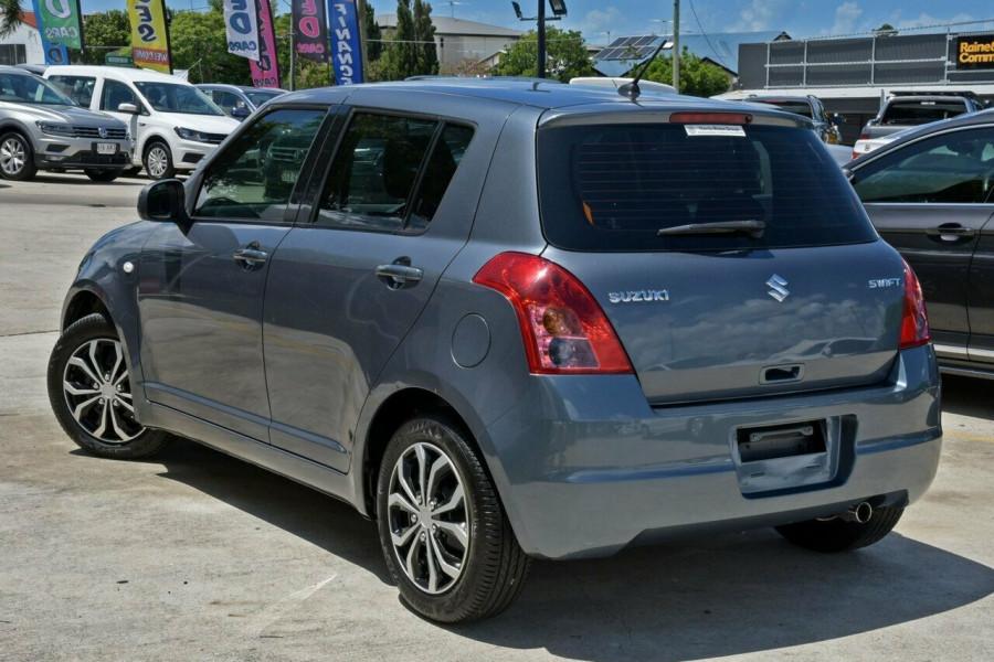 2009 Suzuki Swift RS415 GLX Hatchback Image 4