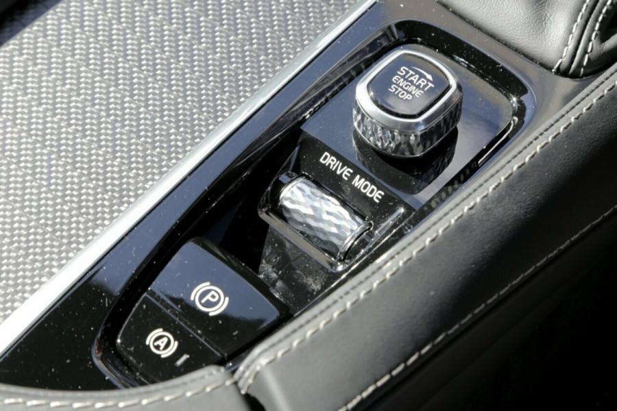 2018 Volvo XC90 L Series T6 R-Design Suv Mobile Image 15