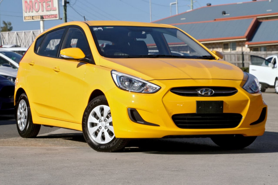 2016 Hyundai Accent RB4 MY16 Active Hatchback image 1