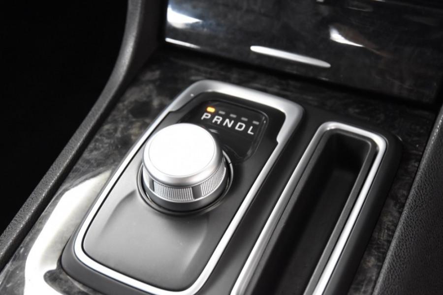2015 Chrysler 300 LX MY15 C Sedan