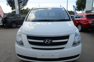 2013 MY14 Hyundai Iload TQ2-V MY14 Van Image 2