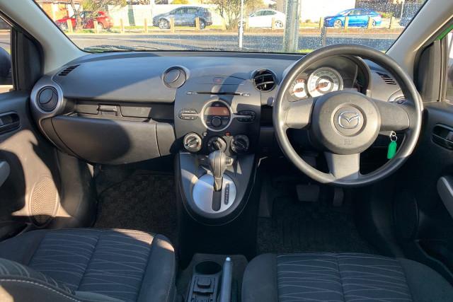 2010 Mazda 2 Neo 18 of 22