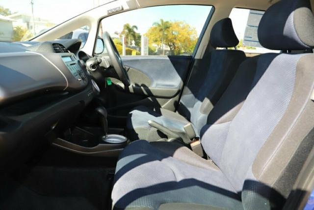 2013 Honda Jazz GE Vibe Hatchback Image 12