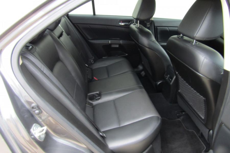 2015 MY14 Suzuki Kizashi FR Sport Touring Sedan Image 10
