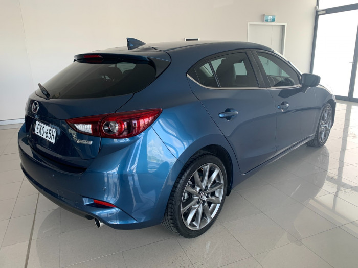 2016 Mazda 3 BM5438 SP25 Hatchback Image 11