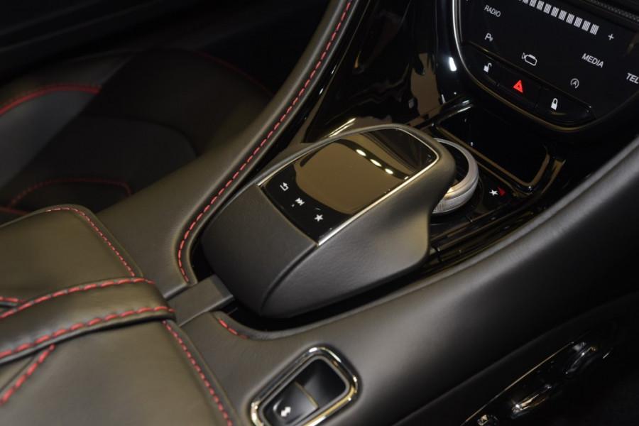 2018 MY19 Aston martin Dbs Superleggera Coupe Mobile Image 19
