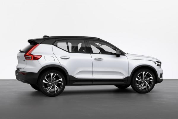 2021 Volvo XC40 XZ T5 R-Design Suv Image 2