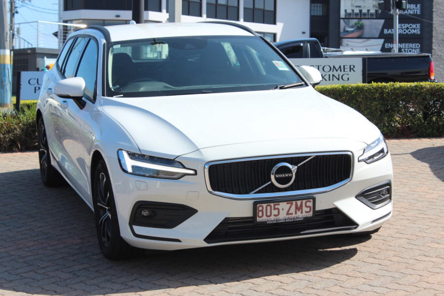 2019 MY20 Volvo V60 F-Series T5 Momentum Wagon Image 1