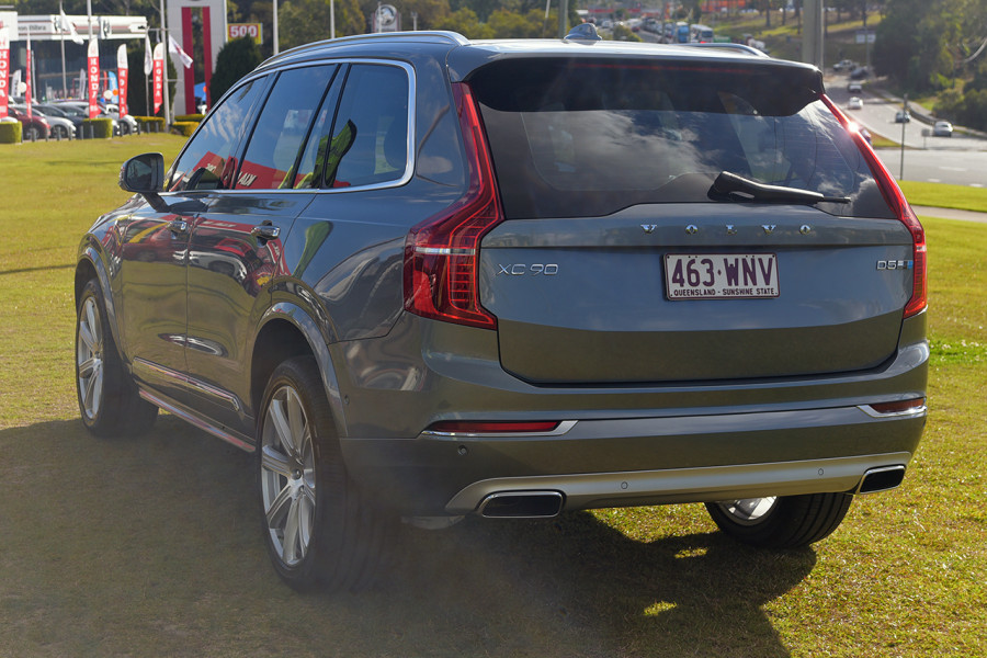2016 Volvo XC90 Vehicle Description. L  MY16 D5 INSCRIPTIO WAG GEAR 8SP 2.0D D5 Suv Mobile Image 6