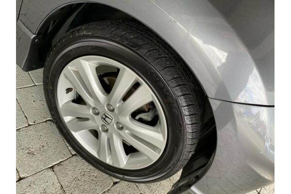 2013 Honda Jazz Vibe-S Hatchback Image 5