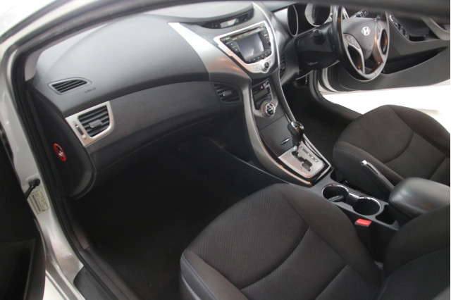2012 Hyundai Elantra 4dr Sed 1.8lt Atm 02 MD ELITE Sedan Image 5