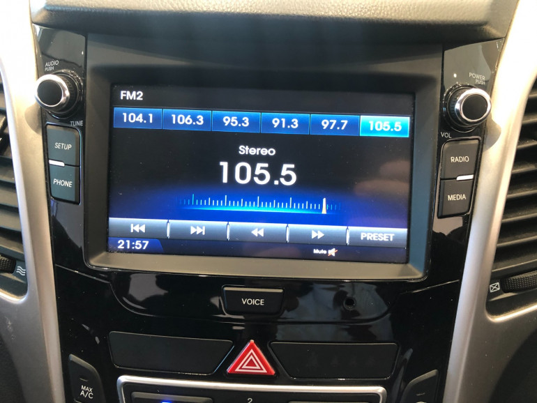 2016 Hyundai i30 GD3 Series II Active Hatchback Image 8