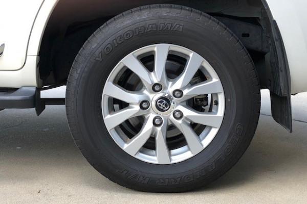 2017 Toyota Landcruiser VDJ200R SAHARA Suv Image 4