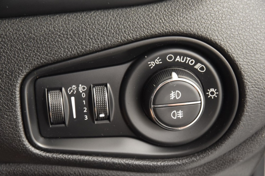 2015 Jeep Renegade BU Limited Hatchback Image 19