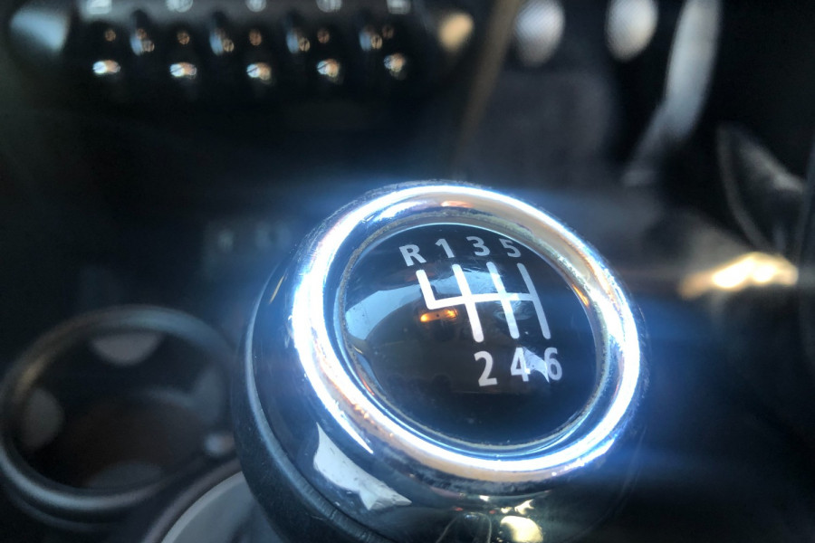 2013 Mini Hatch Hatchback Image 16