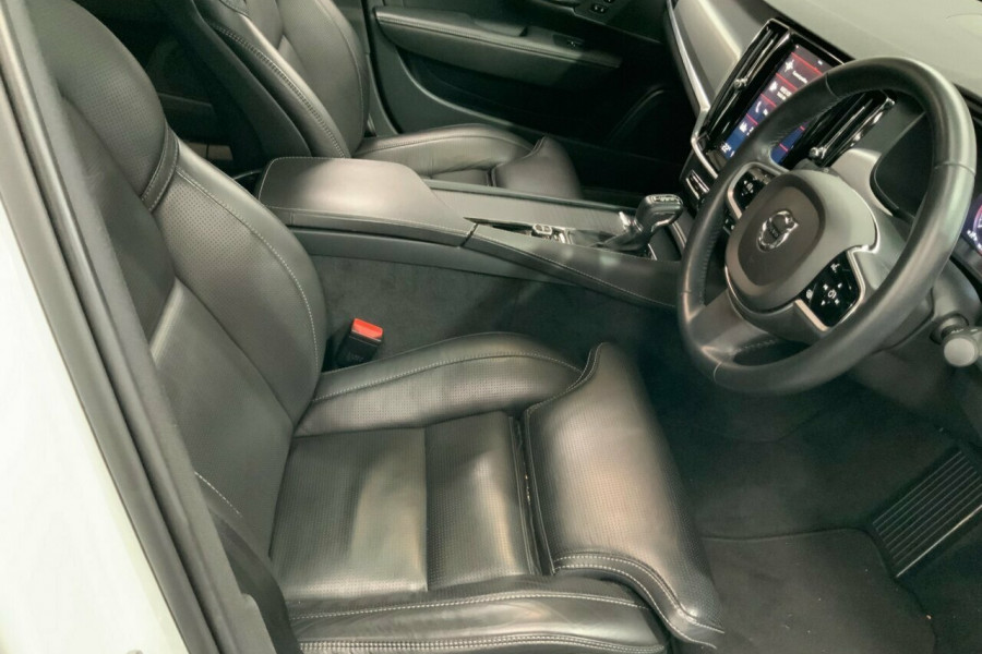 2016 MY17 Volvo S90 P Series T5 Momentum Sedan Mobile Image 21