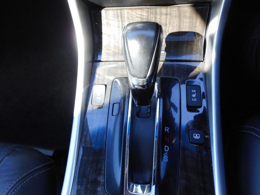 2015 Honda Accord 9th Gen  V6L Sedan Image 16