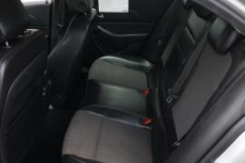 2013 Holden Malibu V300 CD Sedan Image 5