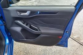 2019 MY19.75 Ford Focus SA  ST-Line Hatchback Mobile Image 10