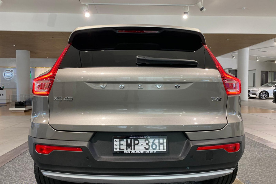 2021 Volvo XC40 T4 Inscription