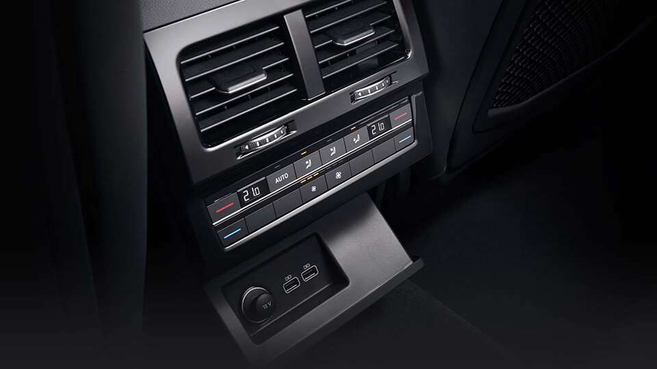Optional Sound and Comfort package with 4 zone climate control. Image