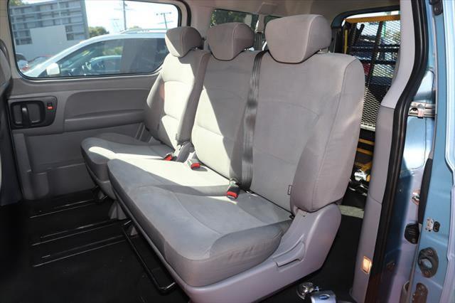 2010 Hyundai Imax TQ-W Wagon Image 7