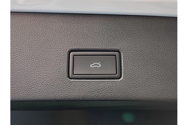 2021 Volkswagen T-Roc A1 Sport Coupe Image 5