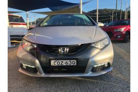 2013 Honda Civic 9th Gen MY13 VTi-LN Hatchback Image 2