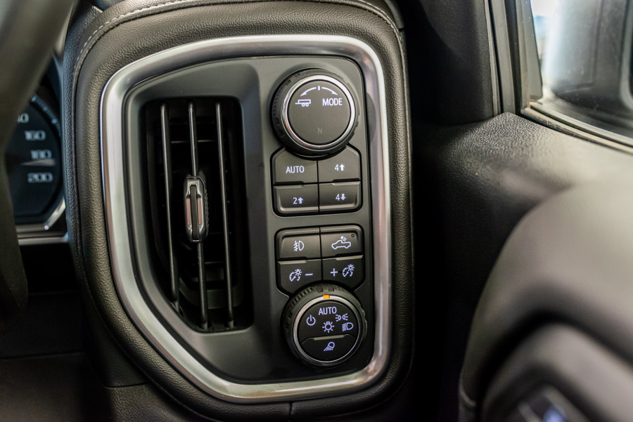 2021 Chevrolet Silverado T1 1500 LTZ Ute Image 28
