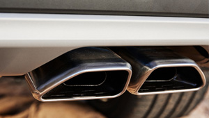 Tucson Restyled dual-tip trapezoidal exhaust.