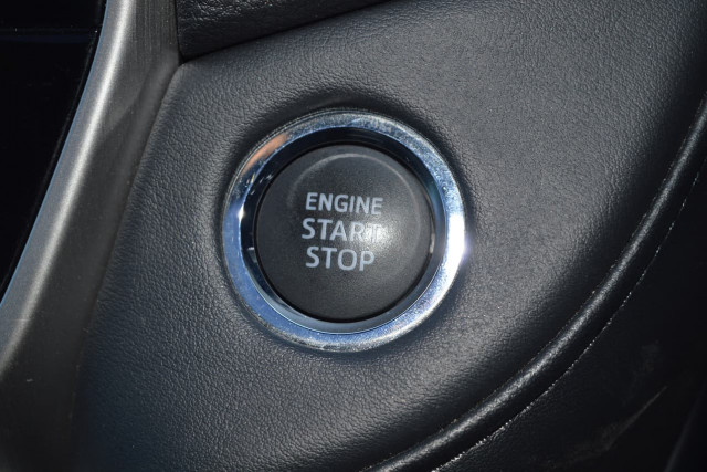 2016 Toyota Landcruiser VX 15 of 25