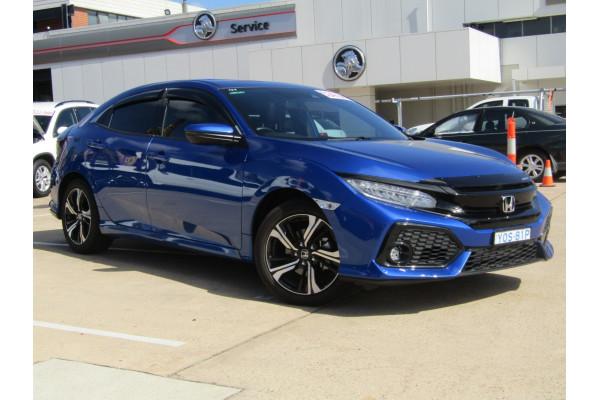 2018 Honda Civic 10th Gen VTi-LX Hatchback Image 5