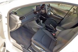 2017 MY18 Hyundai i30 PD Active Hatchback image 16