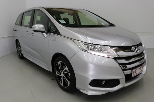 2015 Honda Odyssey 5th Gen VTi-L Wagon Image 2