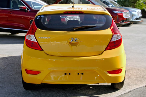 2016 Hyundai Accent RB4 MY16 Active Hatchback image 5