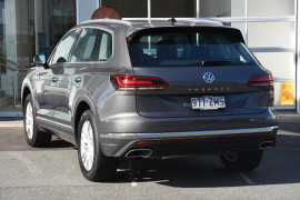 2020 Volkswagen Touareg CR 190TDi Suv Image 3