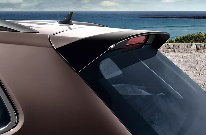 Black roof edge spoiler