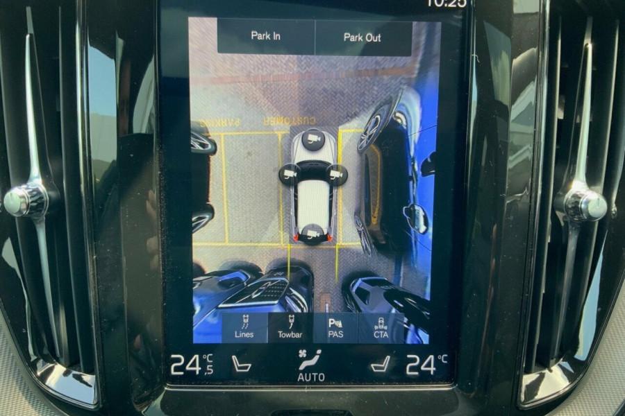 2018 MY19 Volvo XC60 246 MY19 D5 R-Design (AWD) Suv Mobile Image 11
