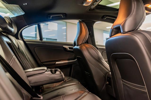 2016 MY17 Volvo S60 F Series T6 R-Design Sedan Image 23