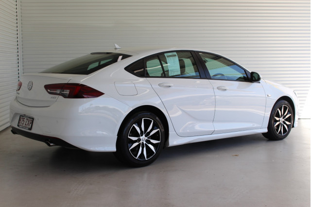 2018 Holden Commodore ZB MY18 RS Hatch Image 2