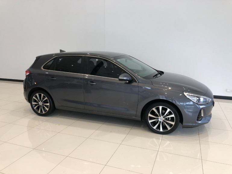 2018 Hyundai i30 PD Elite Hatchback Image 2